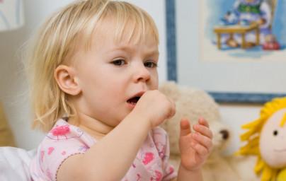 Kako pomagati otroku pri izkašljevanju?