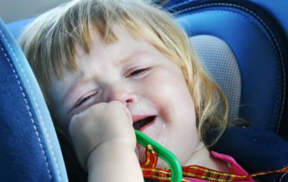 Kako preprečiti potovalno slabost pri otrocih?
